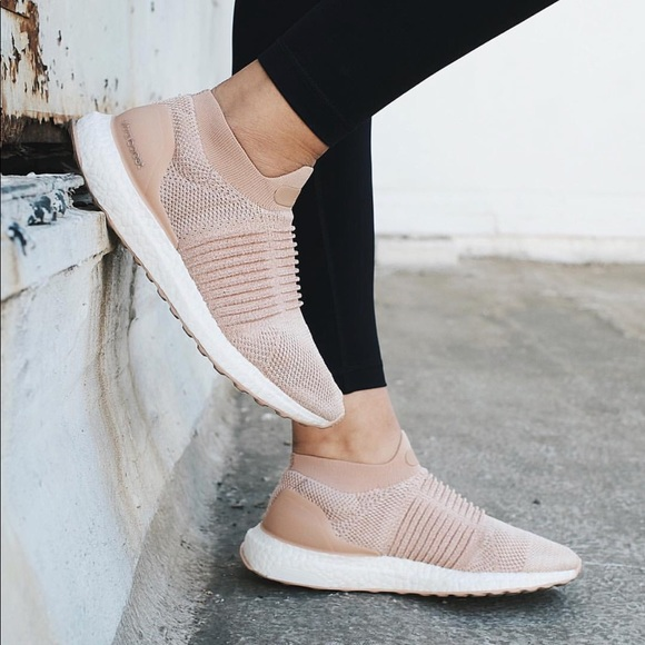 buy popular 70d28 a3231 Adidas Shoes - Adidas UltraBOOST Laceless